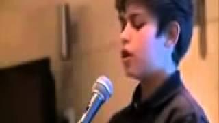طفل روسي يقلد الشيخ عبدالرحمن السديس رائع جداااا