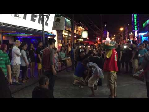 2 Filipina Girls Fight Over American :: Angeles City, Philippines