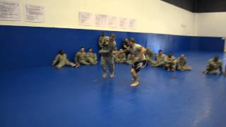 Instructor vs Soldier Knife Fight