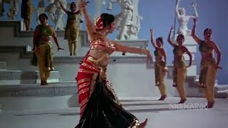 Waheeda Rehman Dance from Guide (Part 1)