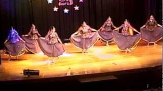 RANGEELO MARO DHOLNA - Bollywood Folk Dance