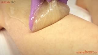 Epilation of the shin with sugar paste