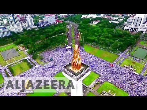 Jakarta rally: Protesters demand governor's arrest