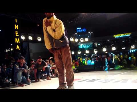 ZuBoo vs Velu (Graffitti Crew) ! HipHop  top 1/4  ! FREEZE 2016 ! Bangalore