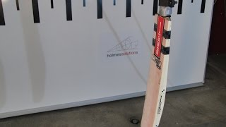 Cricket Bat Performance Test - Crowd Goes Wild TV Show
