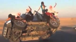 olha os malucos árabes brincando com o carrão importado