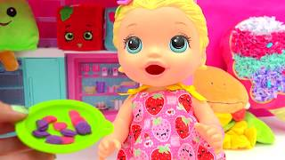 Babysitting Baby Alive Super Snacks Snackin' Lily Feed Playdoh Food + Poops - Cookieswirlc Video