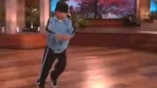 el niño bailando hip-hop buenissimo !!!!!    :D