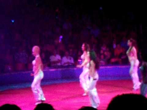 circo hermanos vasquez en chicago 2011 las chicas del ballet