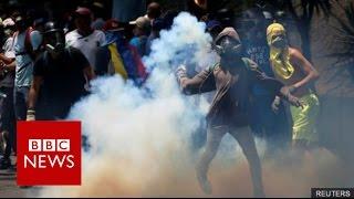 Venezuela crisis: Three killed at anti-government protests - BBC News