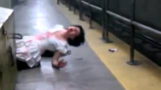 Attention Video choc Une fille possédée par le diable au metro 1