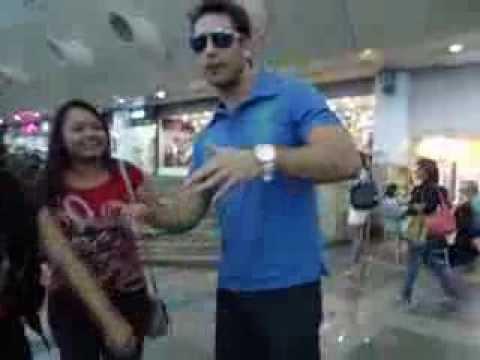Kamilla Salgado no Aeroporto de Belém curtindo sua Familia