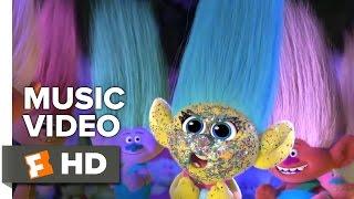 """Trolls - Justin Timberlake and Gwen Stefani Music Video - """"Hair Up"""" (2016)"""
