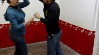 CLASES DE BAILE CUMBIA    DE VUELTAS    EN GIROS  Y CANDADOS