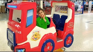 The wheels on the bus Song- Emily Ride On Cars