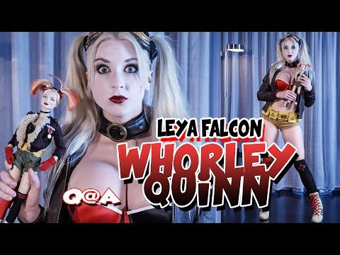 Leya Falcon answers questions from her fans in Harley Quinn Cosplay