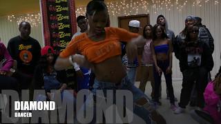 Da War Zone: Dance Battle - Me Me vs  Diamond