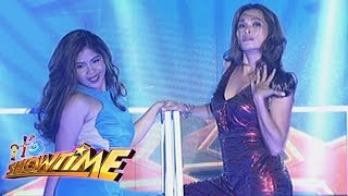 It's Showtime: Jona sings