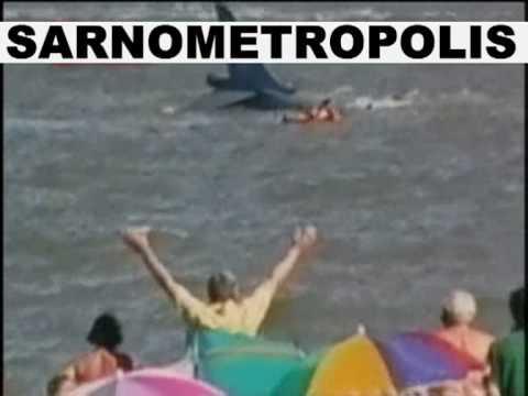 INCIDENTE AEREO PILOTA SALVO MIRACOLOSAMENTE .
