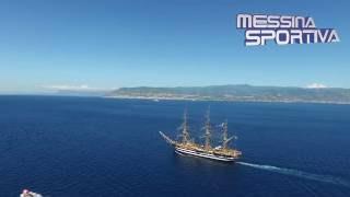 L'Amerigo Vespucci a Messina vista dall'alto