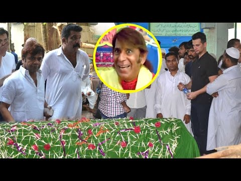 Xxx Mp4 Comedy Actor Razak Khan S Funeral Ceremony Rajpal Yadav Makrand Deshpande 3gp Sex