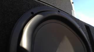 MC Hammer 1500w Skar Audio BASS DEMO - 95 Maxima