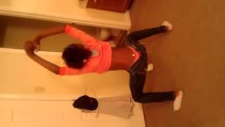 Peaches Twerking Dance Like A Stripper