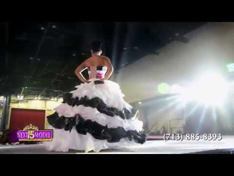 TOMAS BENITEZ vestidos de reciclaje fashion show