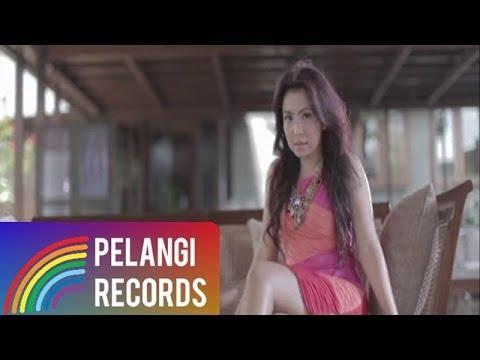 Download Lagu Mayangsari - Tak Bisa Kelain Hati (Official Music Video)