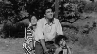 Lata Mangeshkar,Hemanth Kumar, Song : Sawle Salone Aaye Din Baharke, film:Ek hi Raasta 1956.(H.Q)