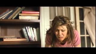 In the bedroom - Trailer