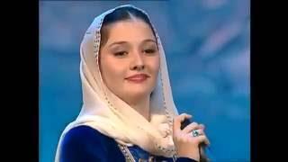 Chechen Girl Sings Armenian Patriotic Song Hay Qajer Heda Hamzatova Russian Armenian Festival