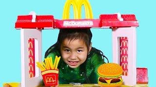 Jannie & Lyndon Pretend Play with Mcdonalds Fast Food Toy Store