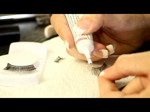 How to Put on Fake Eyelashes for Beginners : Eye Makeup & More