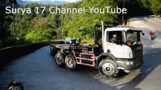 Truk Scania Slip di Tanjakan Sitinjau Lauik