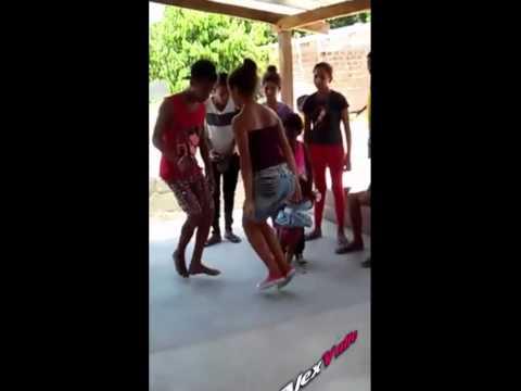 Mujer Enseña Como Se Baila Champeta