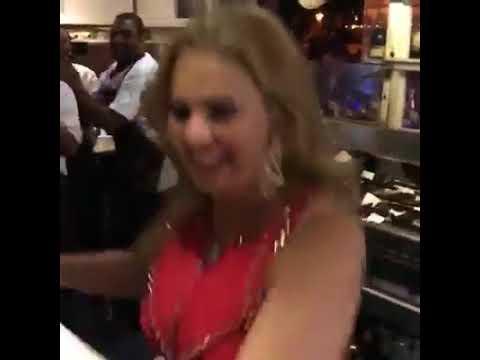 Xxx Mp4 يسرا ترقص مع عمال أحد المطاعم على اغنية 3 دقات 3gp Sex