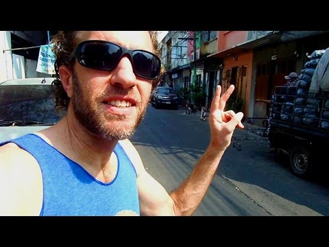 Exploring Bangkok, Thailand Back Alleys