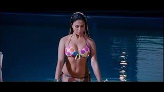 Veena Malik as 'SILK' Sakkath Hot - First Look
