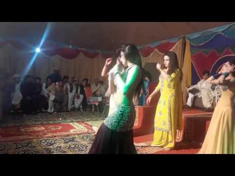 super sexy shemale dancer hot dance in wedding 2017 new pakistani mujra