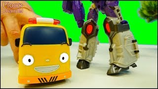 Toy Cars Army - GAY TRANSFORMER! - TAYO Bus, Lightning McQueen & MegaTron Toys videos for kids