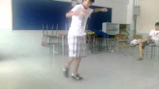B-boy jit practice powermoves combination