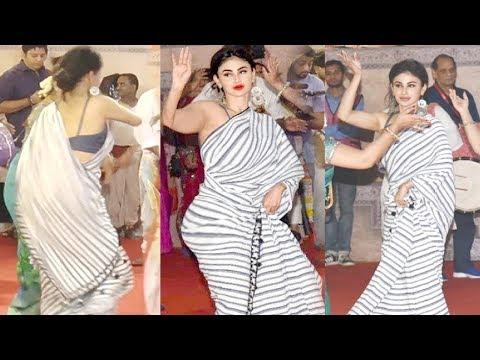 Xxx Mp4 Mouni Roy BENGALI Dance At Durga Puja 2018 3gp Sex