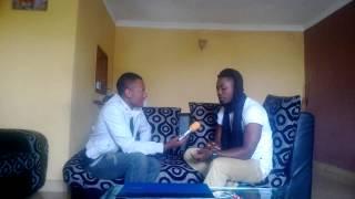 El weezya recoit la Presse a son domicile: parle de la promo 3X Sweety et du concert