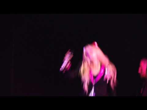 Girlfriend - Avril Lavigne live in Belo Horizonte, Brazil 2014