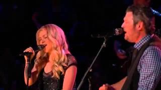 Blake Shelton & Shakira singing-
