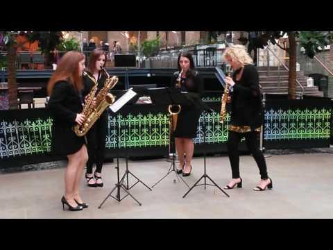 Girls on Sax