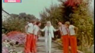 Raffaella Carrà - Hay Que Venir Al Sur (Video Oficial)