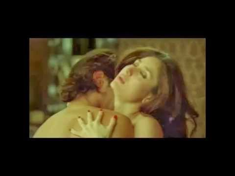 (WATCH EXCLUSIVE)Kareena Kapoor All Kiss & Bed Scenes
