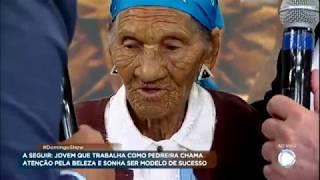 Vovó centenária se emociona ao conhecer o ídolo Amado Batista